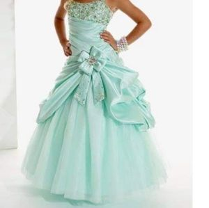 Mint green, Tiffany, Size 4